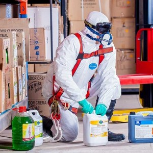 Serviço de coleta de resíduo químico